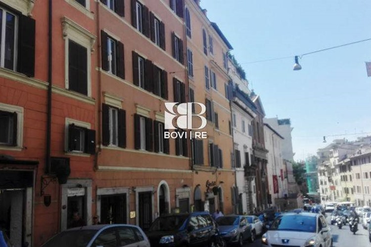 Negozio via sistina centro storico roma for Affitto appartamento barberini roma